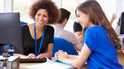 Student-Services-Department-Of-University-Providing-Advice2