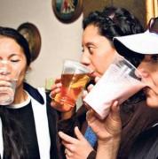 Los suplementos deben mezclarse con bebidas naturales y en ningún caso con las que contengan cafeína. Foto: Archivo/ EL COMERCIO