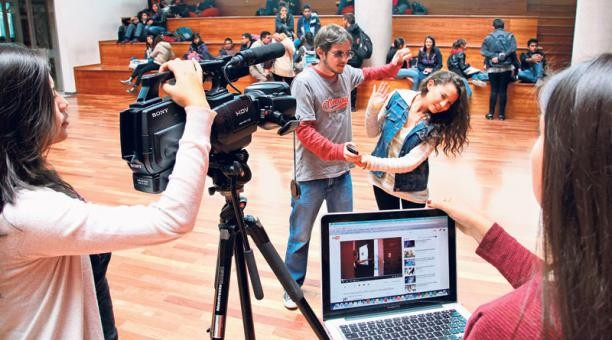 Estudiantes de la UDLA presentaron un video en el Festival de cine Romper Moldes 2015. Foto: Foto: Eduardo Terán / EL COMERCIO