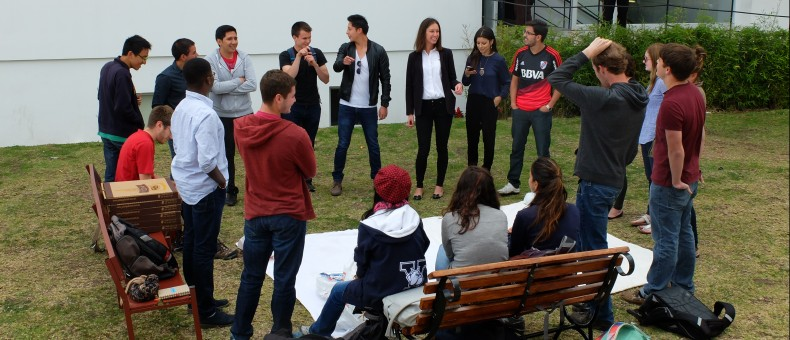 Pizza picnic con estudiantes de Yale y UDLAmigos