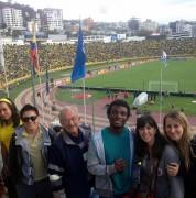 Oficina de Programas Internacionales, estudiantes de intercambio, UDLAmigos y familias anfitrionas fueron al partido Ecuador vs. Uruguay el 12 de noviembre.