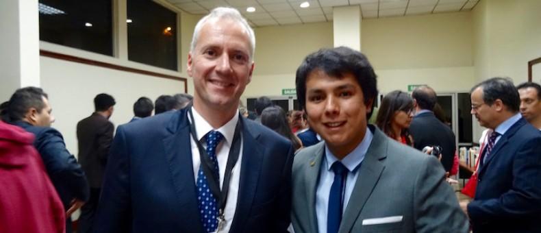 Carlos con el Embajador de Turquía
