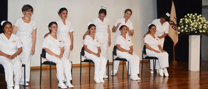 Enfermeras de la UDLA recibieron su cofia